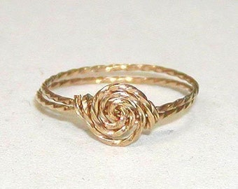 SALE Delicate Rosette Swirl Gold Wire Ring, sz 8