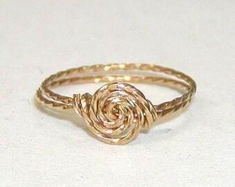 SALE Delicate Rosette Swirl Gold Wire Ring, sz 9-1/2