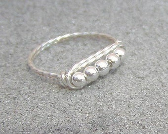Five Sweet Silver Beads Wirewrapped Ring, sz 5