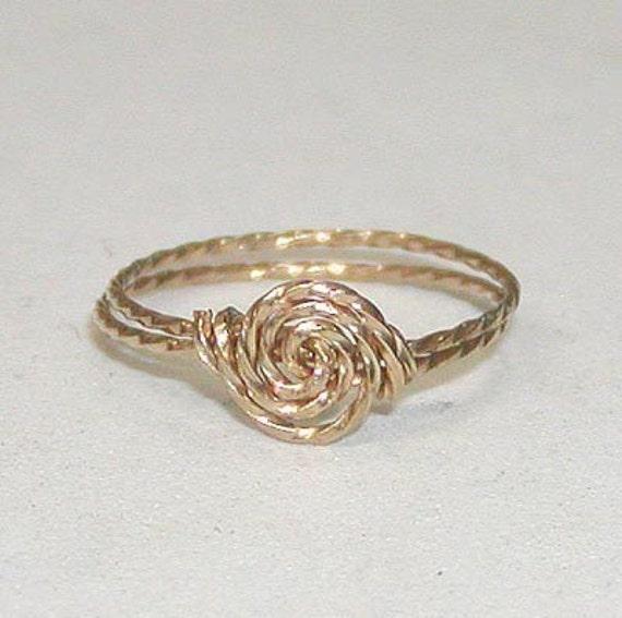 SALE Delicate Rosette Swirl Gold Wire Ring, sz 11