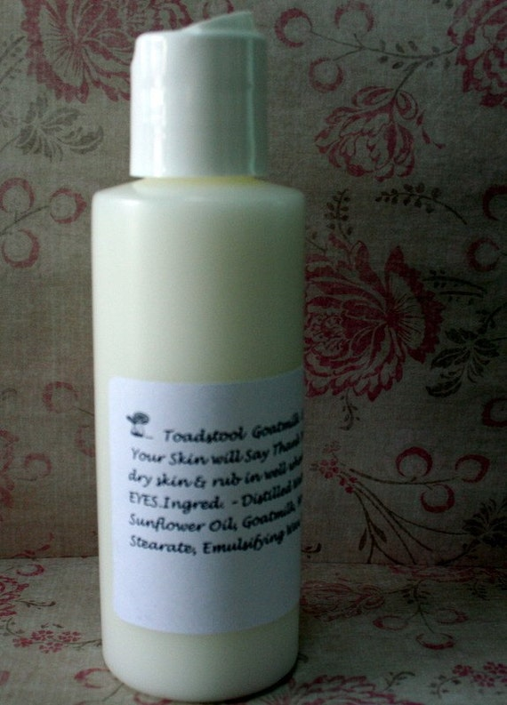Body Lotion Midnight Kiss Creamy and Light with Goatmilk Shea Butter from Toadstool Soaps