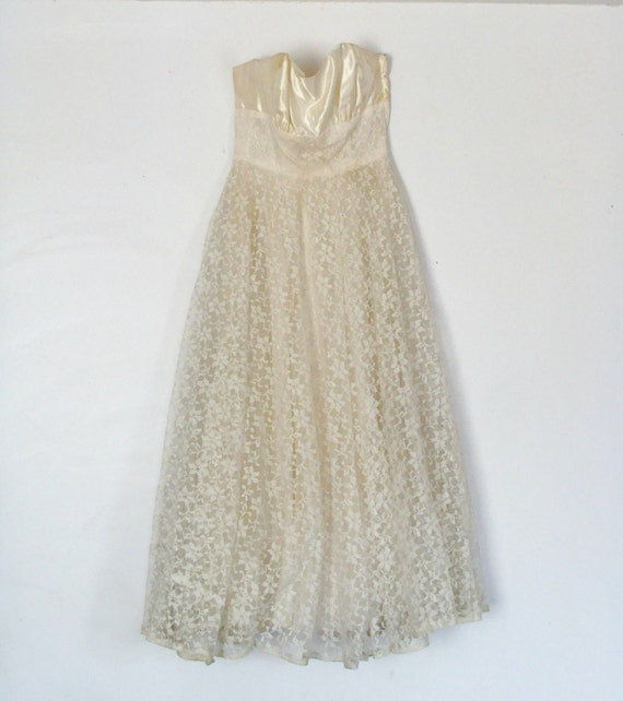 Strapless Bridal Wedding Dress from 1950s Pretty Floral Lace Bottom with Satin Sweetheart Top Removeable Bow  on Back