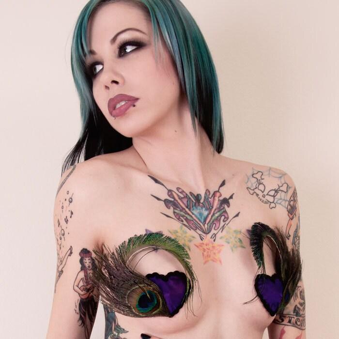Amateur women filming themselves masturbating
