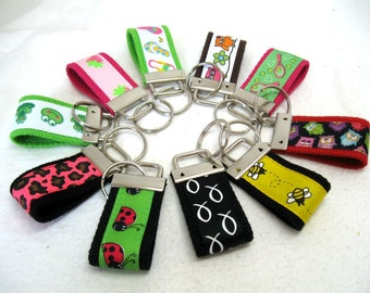 Mini Key Fob Grab Bag - Qty 25 - Shower Gifts - Party Favors - Wholesale Pricing - Fundraisers - Small Key Chains Mystery Listing - HALF OFF
