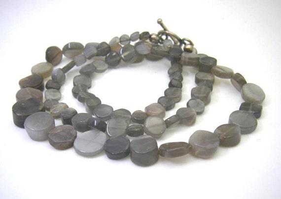 Luminous Graduated Grey Moonstone Silver Necklace