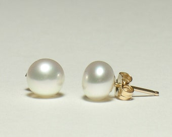 """White Freshwater Pearl Post Earrings in Gold Filled 6-7mm (.24-.28"""", medium size)"""