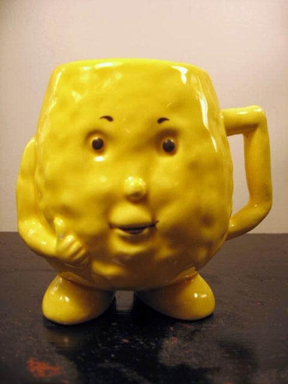 thumbs up good cholestrol HDL yellow mug