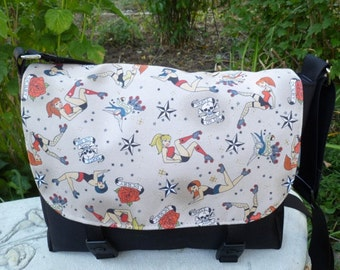 Roller derby mini messenger bag, retro roller girls, cross body bag, The Zeldina