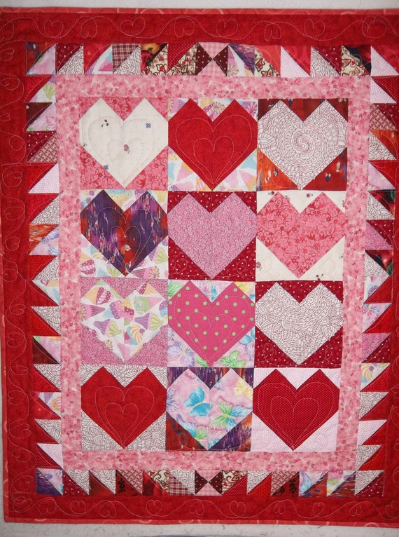 Patchwork Quilt, Lap or Wallhanging, Red and Pink Hearts