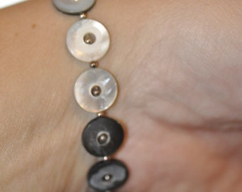 Mother of Pearl Stretchy Bracelet