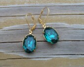 Emerald green jeweled earrings for renaissance costume or bridesmaid - Olivia