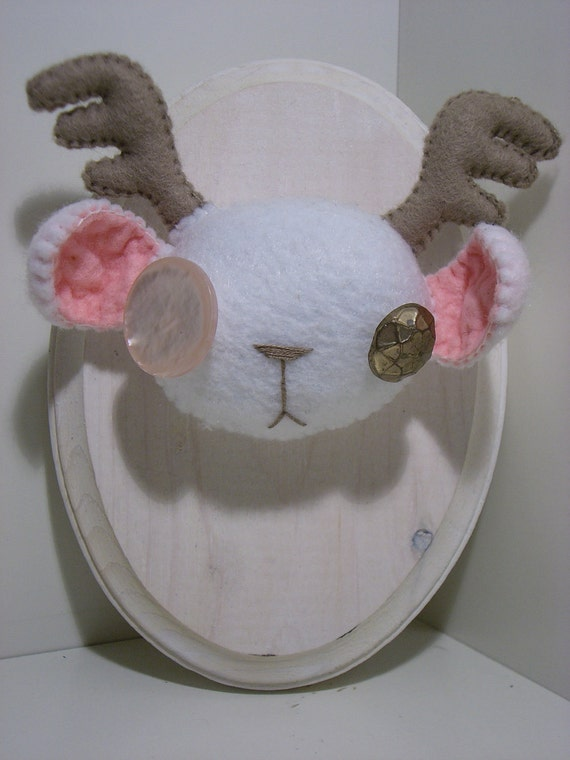 FREE SHIPPING Snow White Bearalope Fluffidermy