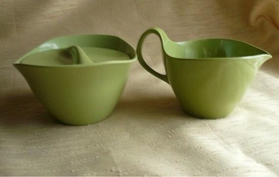Oneida melamine green sugar bowl & creamer set