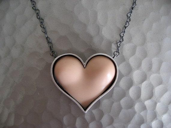 Have a Heart Bust Pendant - Vanilla