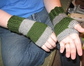 Harry Potter Fingerless Gloves in House Colors --FREE SHIPPING---