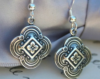 Celtic inspired Clover earrings - Siobhan