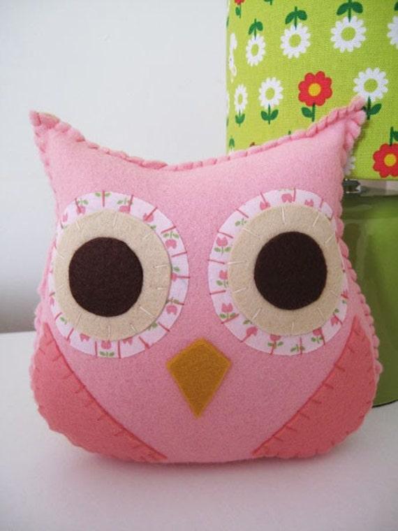 Baby owl plush toy Issy