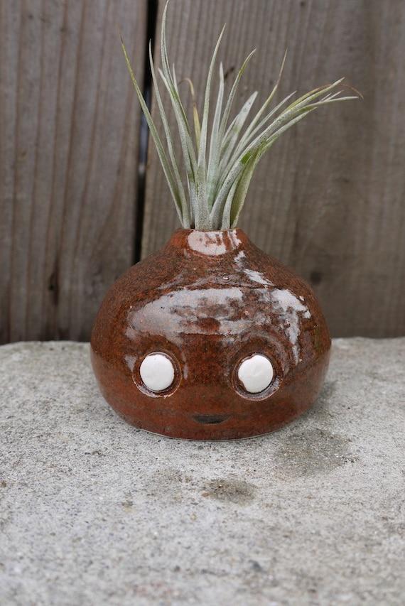 little, stoneware Kawaii bud vase