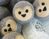 Waldorf Wool Ball Kit : The Hedgehog (Learn to Wet and Needle Felt Your Own Animal Ball)