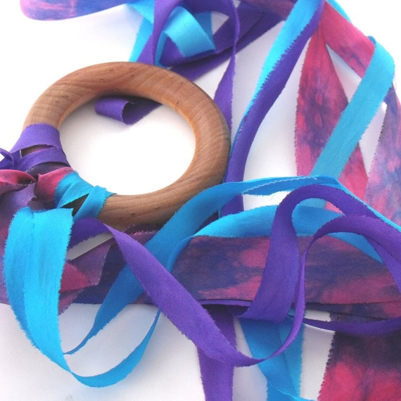 Flutterby, Summer Berries  (All Natural Silk Streamer Toy)
