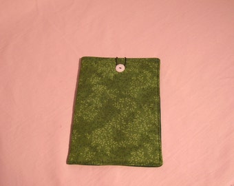 EReader Sleeve w/button closure Green