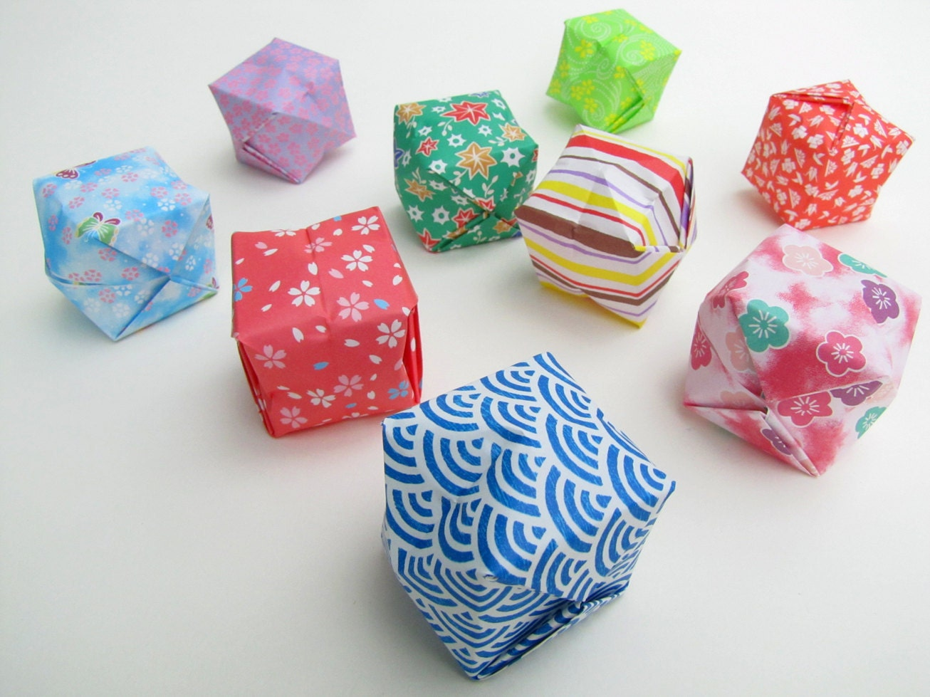 origami lanterns set of 50 handmade paper by woodsmokeandwool. Black Bedroom Furniture Sets. Home Design Ideas