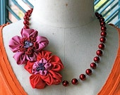 Twin flowers necklace