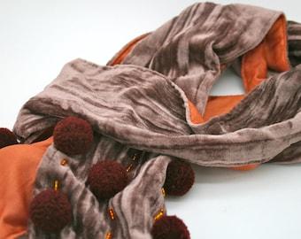 Reserved Pompom velvet scarf