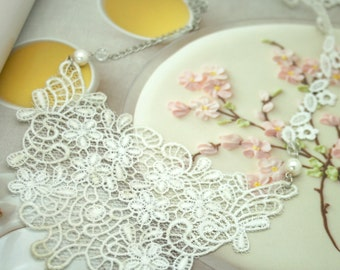 white lace bib necklace