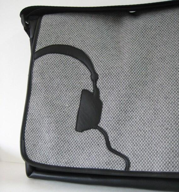headphones .. classic messenger, laptop bag