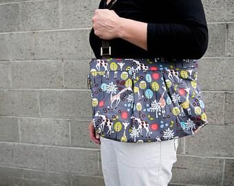 iPad Bag Kindle Handbag iPad Shoulder Bag iPad Purse Cross Body Bag Nook bag ELECTRONIC POCKET - MOXIE Handbag -- Giraffes Can DanceFabric