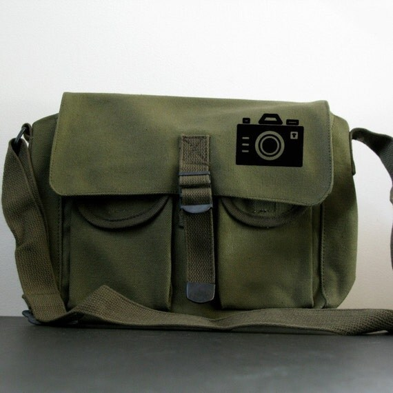 Small Messenger Bag - Iconic Camera - Shoulder Bag