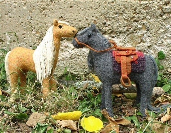 Horse Knitting Pattern : Dusty and Satchel Pattern for knitted and felted horse