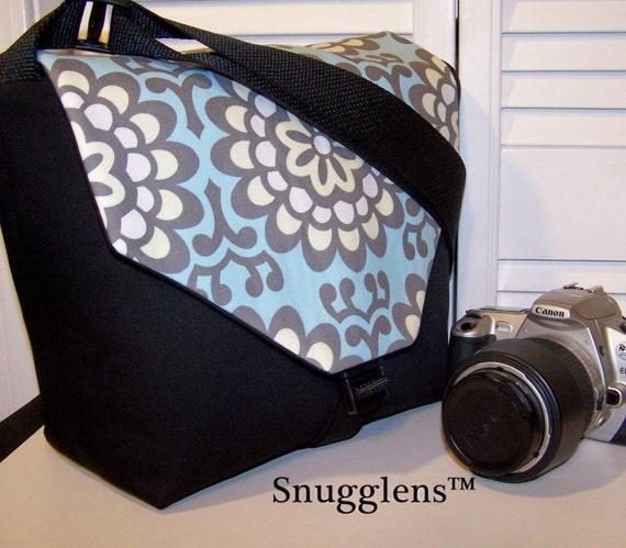 SNUGGLENS......DSLR Padded Camera and Lens Carrier Bag..S/M...wallflower/sky