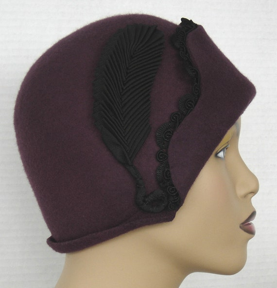 Reserved  Flapper Cloche In Plum Wool Felt