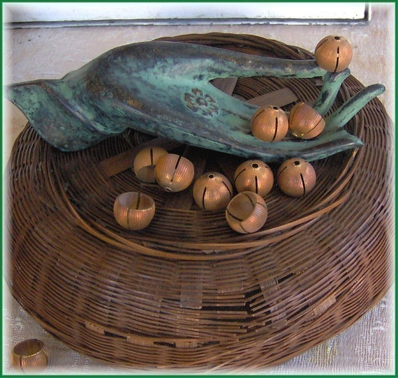 Large Acorn Shaped caps. ... good for autumnal thoughts.(10 pcs.) 1