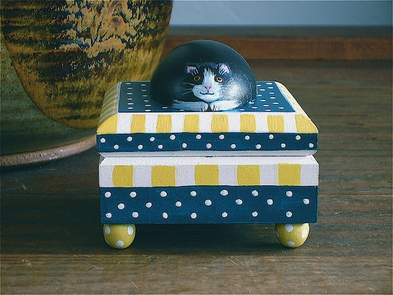 Cat On A Square Box -teal and yellow