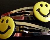 smiley face hair clips - happy cute