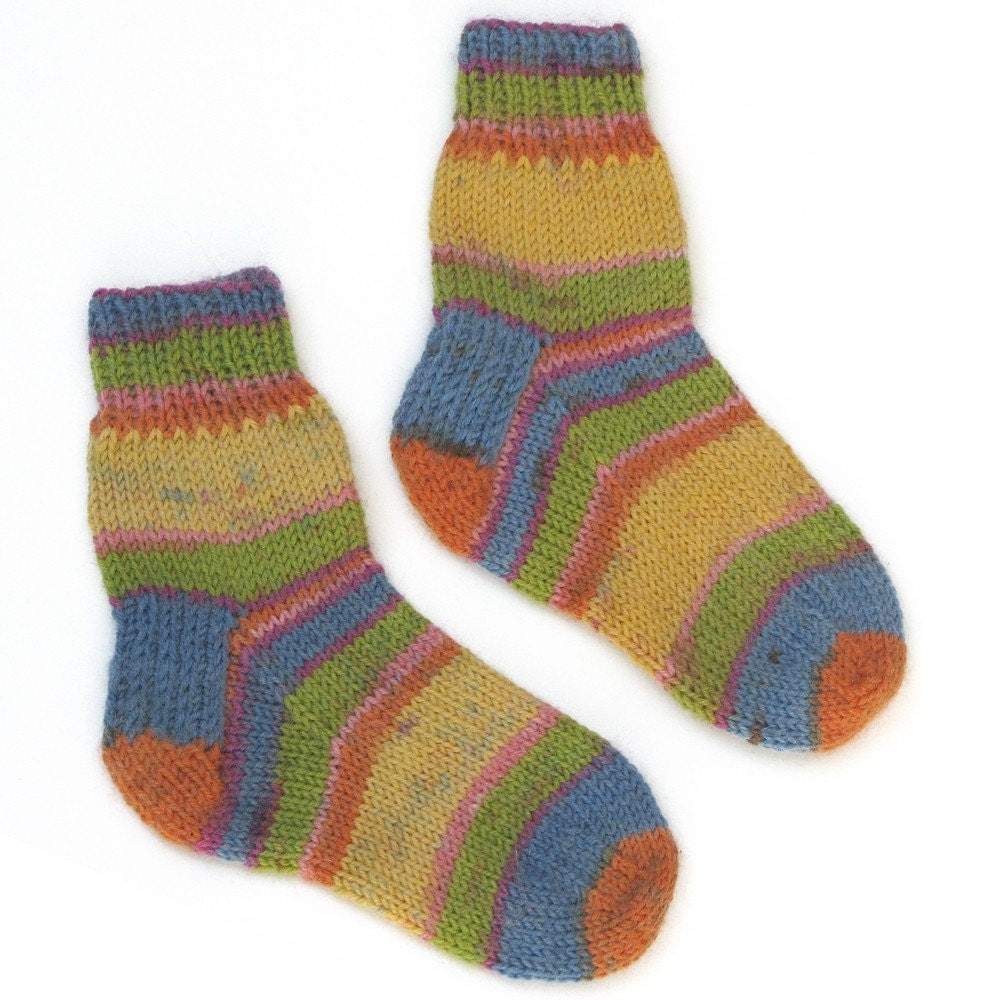 The kids' wool and cotton socks found above are fantastic for mixing and matching. If they lose one sock, no need to stress. Thanks to the wide variety of colors and cute, fun prints, they will love the endless combinations they can make.