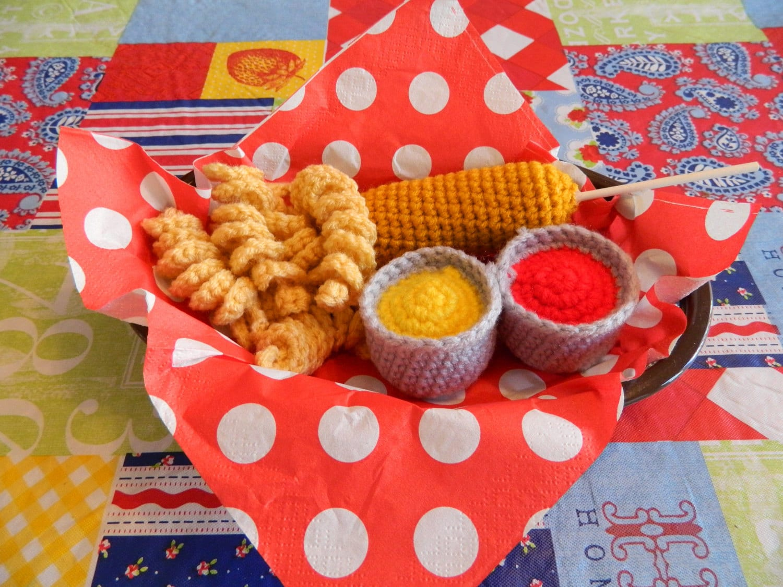 Toy Food Sets : Corndog crochet toy food set