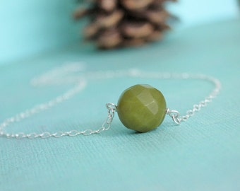 Sweet pea necklace. Sterling Silver and lemon jade. Solitaire. Medium sized gemstone.