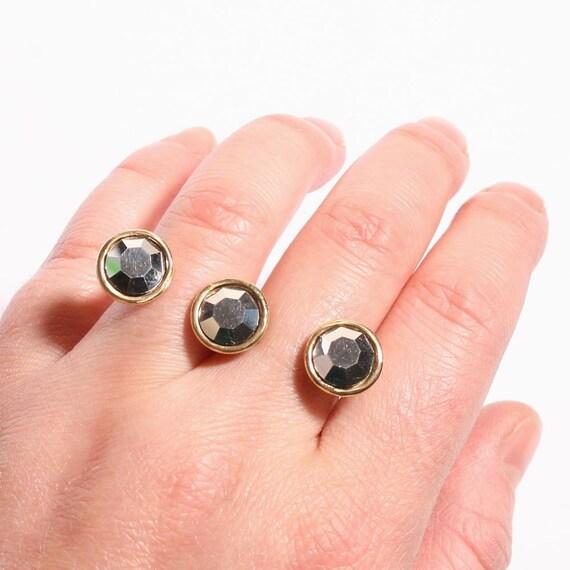 Amazing 2 finger and swarovski crystal brass ring by zulasurfing