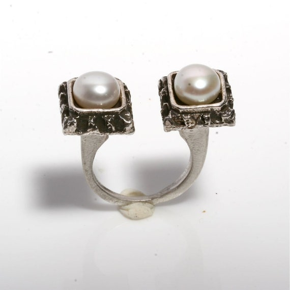 Unique Sterling Silver Open Shank Square and 8mm white Pearl Ring by zulasurfing
