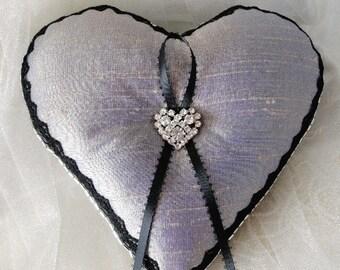 Creamy Lavender- Black Heart Ring Pillow•Lavendar Heart•Spring Wedding•Rhinestone•Wedding Decoration•Lilac Wedding•Black Lace•Urban Wedding•