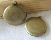 SALE- 5x ROUND PLAIN Locket 27x27mm (in antique brass tone) Code 0000