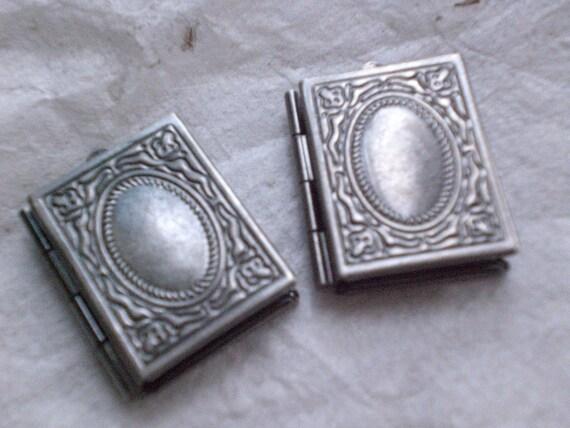 10x BOOK LOCKETS (antique silver) 19x23mm - Code 919-B