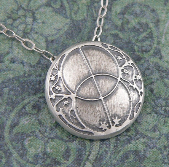 Chalice Well pendant in sterling silver