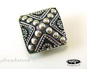 2 pcs 18mm Diamond Shape Bali 925 Sterling Silver Handmade Beads B164