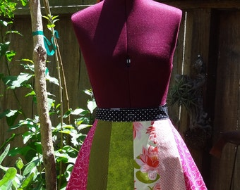 Oh Sew Cute Petals Spring/Summer Apron - Fully Reversible - Two Aprons in One