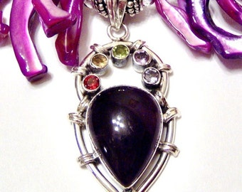 Unique Wild Plum Pearl Frangia Mother of Pearl and Amethyst Pendant Necklace